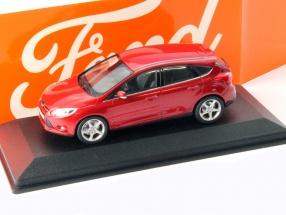 Ford Focus 5-door Year 2011 red metallic 1:43 Minichamps