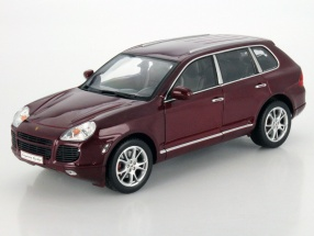 Porsche Cayenne Turbo Year 2006 red 1:18 Welly