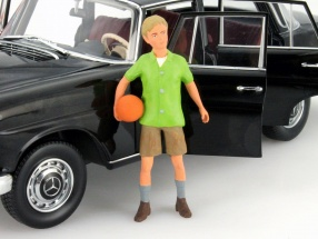 Boy Figure 1:18 FigurenManufaktur