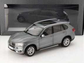 BMW X5 Series (F15) space gray 1:18 ParagonModels
