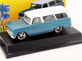 Chevrolet Suburban Baujahr 1966 blau / weiß 1:43 Greenlight