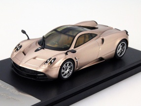Pagani Huayra Baujahr 2013 gold 1:43 Welly GTA