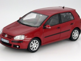Volkswagen VW Golf V Year 2005 red 1:18 Welly