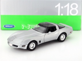 Chevrolet Corvette Coupe Baujahr 1982 silber 1:18 Welly