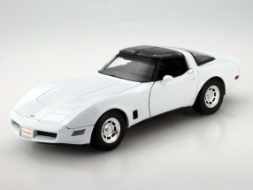 Chevrolet Corvette Coupe Year 1982 white 1:18 Welly
