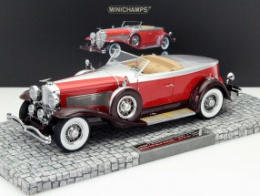 Düsenberg Model J Torpedo Convertible Coupe Baujahr 1929 rot 1:18 Minichamps