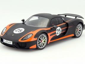 Porsche 918 Spyder Weissach #25 orange / black 1:18 Spark