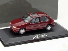Ford Fiesta Year 1996 dark red 1:43 Minichamps