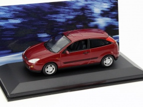Ford Focus 3-Türer rot metallic 1:43 Minichamps