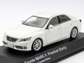 Toyota Mark X 250G (Early) F-Package pearl white 1:43 Kyosho