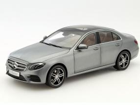 Mercedes-Benz E-Klasse (W213) AMG Line selenit grau 1:18 iScale