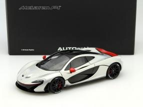 McLaren P1 Baujahr 2013 silber / rot 1:18 AUTOart
