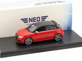 Audi S1 Sportback rot / schwarz 1:43 Neo