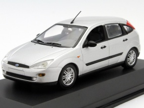 Ford Focus Year 1999 silver 1:43 Minichamps