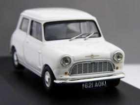 """Morris Mini Minor 1959 white """"First Mini to be badged Morris"""" 1:43 Ixo"""