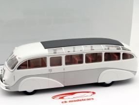 Mercedes-Benz LO3100 Bus Baujahr 1939 silber / weiß / schwarz 1:43 Altaya