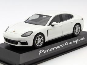 Porsche Panamera 4 E-Hybrid weiß 1:43 Herpa