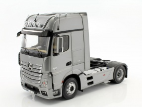 Mercedes-Benz Actros 2 Gigaspace 4x2 FH25 Sattelzugmaschine SZM silber 1:18 NZG