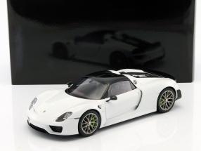 Porsche 918 Spyder Weissach Package Baujahr 2013 weiß 1:18 AUTOart