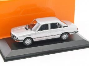 BMW 520 Baujahr 1974 silber 1:43 Minichamps
