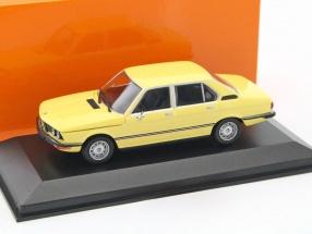 BMW 520 Baujahr 1974 gelb 1:43 Minichamps