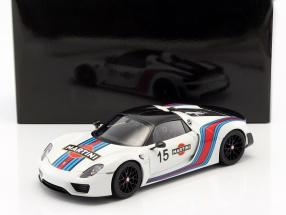 Porsche 918 Spyder Weissach Package Martini Baujahr 2013 weiß 1:18 AUTOart