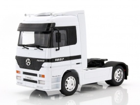 Mercedes-Benz Actros 4x2 white 1:32 Welly