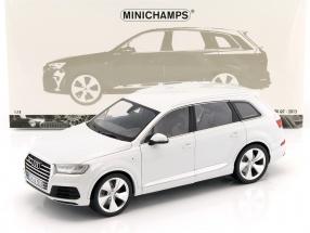 Audi Q7 Baujahr 2015 weiß 1:18 Minichamps