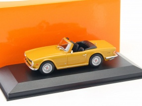 Triumph TR6 year 1968 orange 1:43 Minichamps