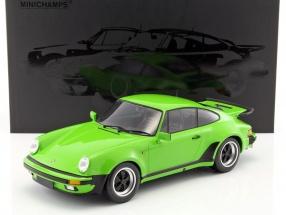 Porsche 911 (930) Turbo Baujahr 1977 licht grün 1:12 Minichamps