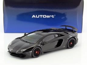 Lamborghini Aventador LP750-4 SV Baujahr 2015 schwarz 1:18 AUTOart