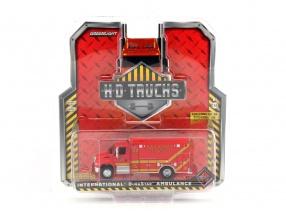 International DuraStar Las Vegas Fire & Rescue Paramedics Baujahr 2013 rot 1:64 Greenlight