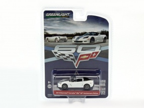 Chevrolet Corvette Z06 60th Anniversary Baujahr 2013 weiß / silber 1:64 Greenlight