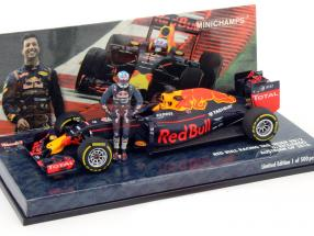 Daniel Ricciardo Red Bull RB12 #3 Austrian GP formula 1 2016 With driver figure 1:43 Minichamps