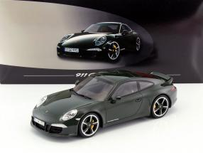 Porsche 911 (991) Carrera Club Coupe Baujahr 2014 dunkelgrün 1:18 GT-SPIRIT