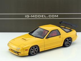 Mazda Savanna RX-7 (FC3S) gelb 1:18 Ignition Model