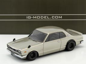 Nissan Skyline 2000 GT-R (KPGC10) silber 1:18 Ignition Model