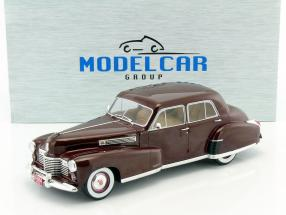 Fleetwood Series 60 Special Sedan year 1941 dark red 1:18 Model Car Group