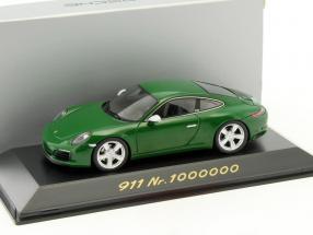 Porsche 911 (991 II) Carrera S (Special Edition: 1000000th Porsche 911) 2017 grün 1:43 Spark