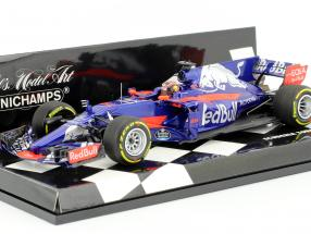 D. Kvyat #26 Scuderia Toro Rosso STR12 formula 1 2017 1:43 Minichamps