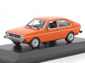 Volkswagen VW Passat Baujahr 1975 orange 1:43 Minichamps