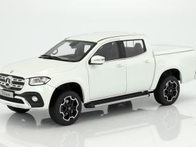Mercedes-Benz X-Class bering white 1:18 Norev
