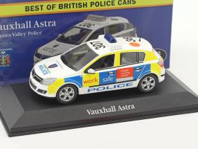 Vauxhall Astra Thames Valley Police 1:43 Atlas