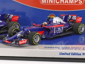 Kvyat #26 & Sainz #55 2-Car Set Toro Rosso STR12 Formel 1 2017 1:43 Minichamps