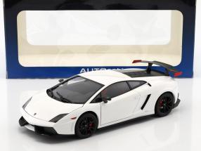 Lamborghini Gallardo LP570 Supertrofeo Stradale year 2011 white 1:18 AUTOart