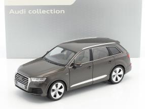 Audi Q7 Baujahr 2015 argus braun metallic 1:18 Minichamps