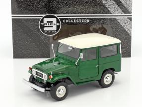 Toyota Land Cruiser FJ40 year 1967 green / white 1:18 Triple9
