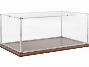 Hochwertige Plexiglas-Vitrine mit Aluminiumrahmen und Holzsockel für Modelle im Maßstab 1:8