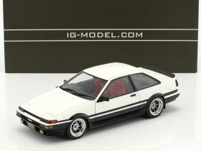 Toyota Sprinter Trueno (AE86) 2-Door GT Apex weiß / schwarz mit roten Sitzen 1:18 Ignition Model