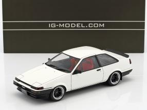 Toyota Sprinter Trueno (AE86) 2-Door GT Apex weiß 1:18 Ignition Model